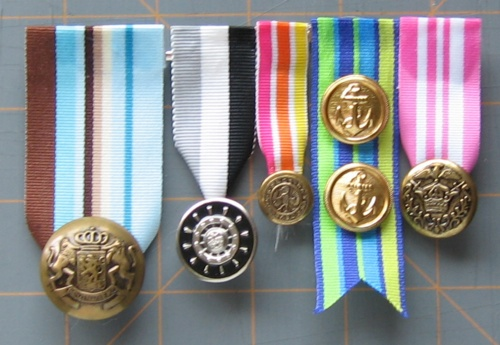 craftlog » Blog Archive » button medals and ribbons